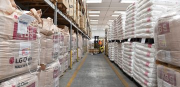 Management of customs logistics